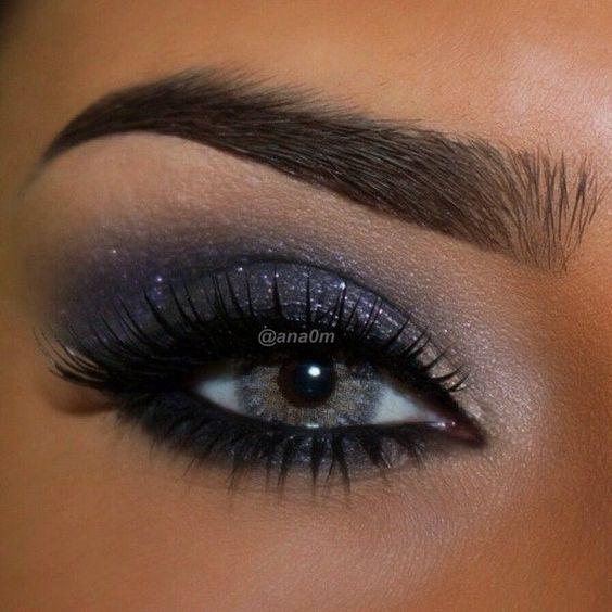 Ciemny makijaż oka