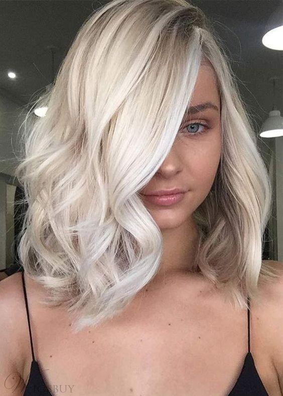 Pomysł na krótkie blond włosy